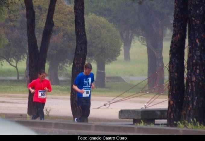 La lluvia y el viento han marcado la carrera – Foto: Ignacio Castro Otero