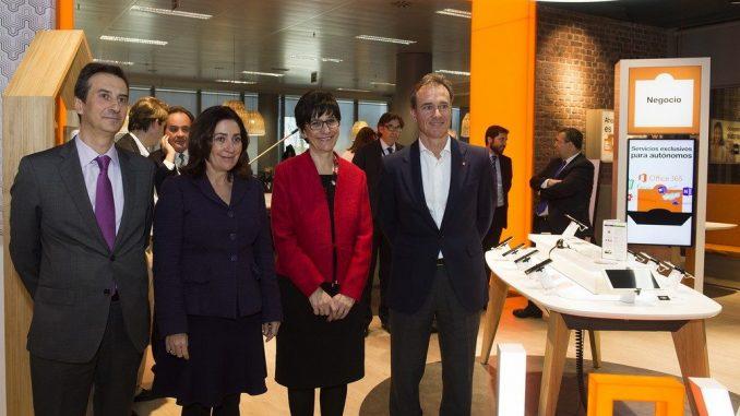P rez quislant destaca el papel de las grandes empresas de for Oficina de orange