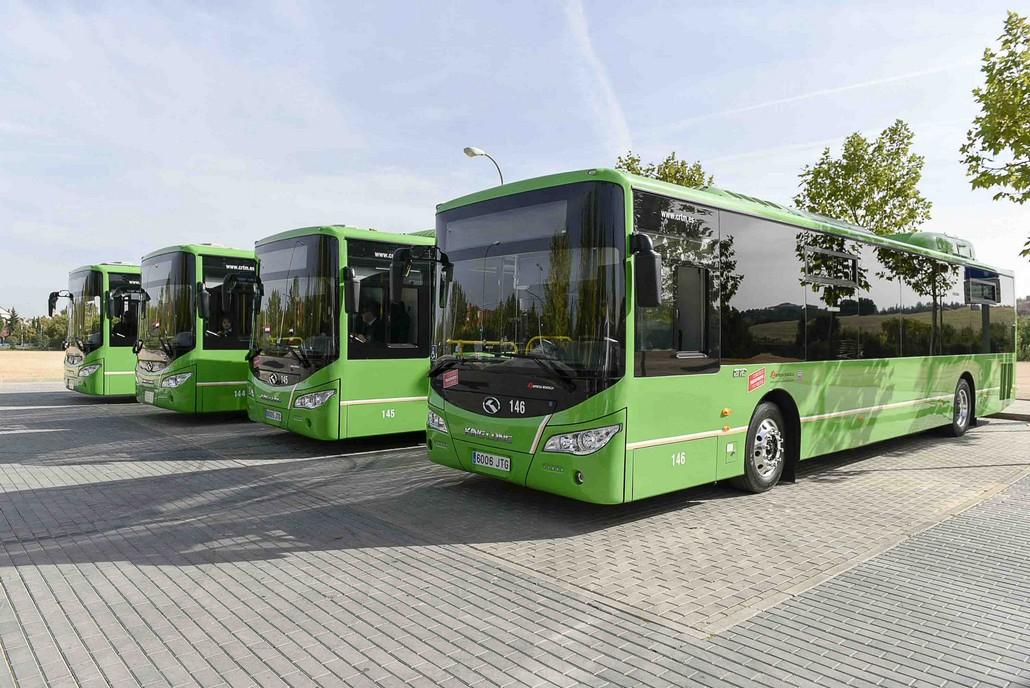 Una nueva l nea urbana de autob s conectar los nuevos for Piscina municipal majadahonda
