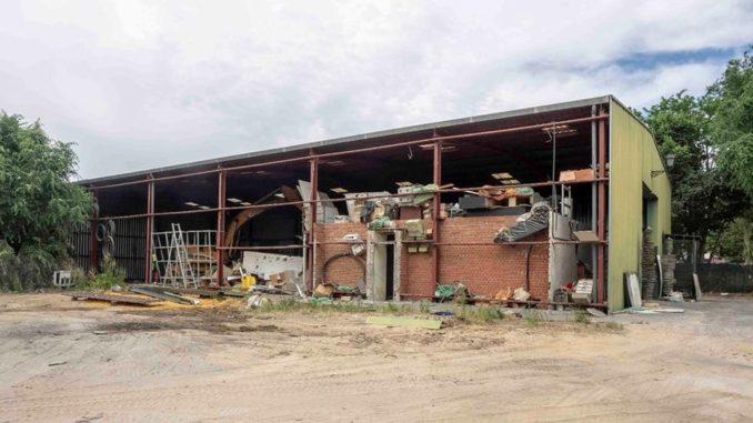 Demolición de la nave de obras para construir más plazas de ...